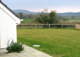 Rathmullan Holiday Home with Wifi - rear garden